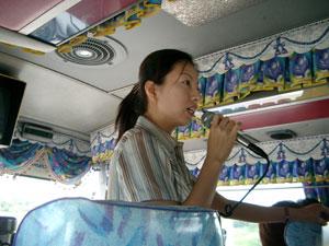 板門店共同警備区域(JSA)ツアーのバスガイドさん