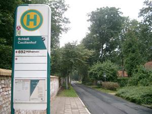 ツェツィリエンホーフ宮殿のバス停@ポツダム,ドイツ