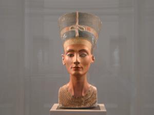 旧博物館の王妃ネフェルティティの胸像@ベルリン,ドイツ
