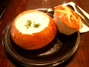 Boudin Sourdough Bakely & CafeのSoup in Bread@サンフランシスコ