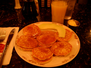 Sears Fine FoodのSears' World Famous 18 Swedish Pancakes@サンフランシスコ