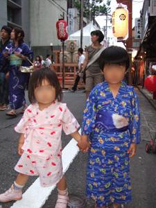 長男と長女に浴衣を着せて祇園祭へ