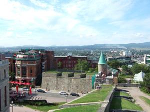 ケベックシティ旧市街を取り囲む城壁の上から