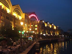 夜も綺麗なクラークキー@シンガポール