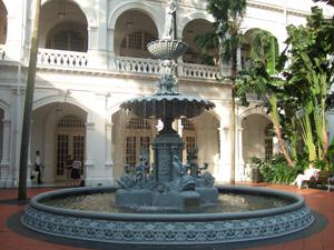 ラッフルズホテルの庭@シンガポール