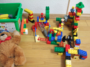 長男5歳によるレゴブロックの動物園