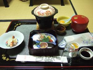 個室での夕食の一部@玉造温泉の長楽園