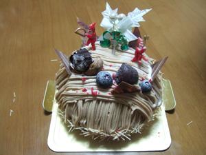 有名ケーキ屋さんの栗のクリスマスケーキ