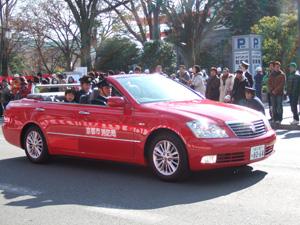 消防出初式に登場したクラウンのオープンカー