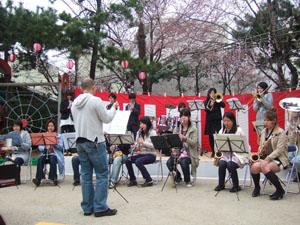 山城高校卒業生による演奏@幼稚園の桜祭り