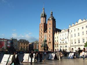 中央市場広場の聖マリア教会@クラクフ, ポーランド
