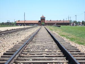 死の門と引き込み線@第二アウシュヴィッツ強制収容所(ビルケナウ)