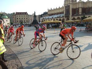 中央市場広場の自転車レース@クラクフ, ポーランド
