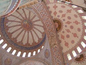 スルタンアフメット・ジャーミィ(ブルーモスク)のドーム@イスタンブール, トルコ