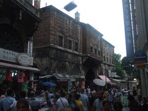 エジプシャンバザール(ムスル・チャルシュス)の歴史を感じさせる入口@イスタンブール, トルコ