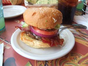 神戸チーズバーガー(Kobe Cheeseburger)@ハワイ家族旅行