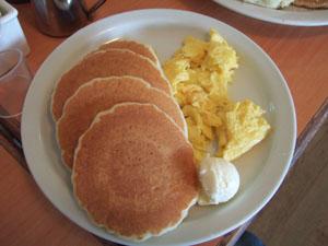子供用パンケーキとスクランブルエッグ@ハワイ家族旅行