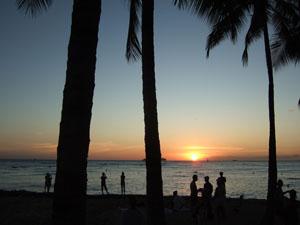 ワイキキビーチのサンセット@ハワイ家族旅行