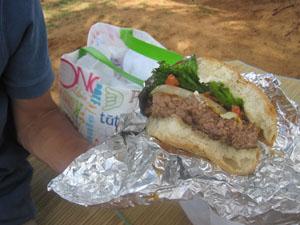 クワイナ(KUA'AINA)のチーズバーガー(US$7.90)@ハワイ家族旅行