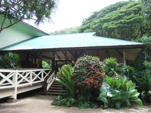ワイメア渓谷(Waimea Valley)の案内所@ハワイ家族旅行