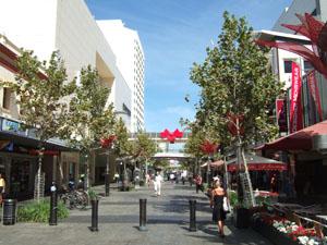 カフェやショップが軒を連ねるモール@パース,オーストラリア