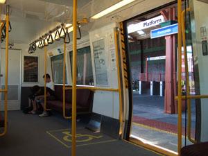 フリーマントル駅と車内@オーストラリア