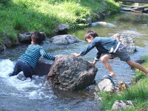 男子2人で川遊び@リバーランズ角川,滋賀県