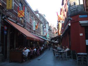 レストランが軒を連ねる小道@ルーベン, ベルギー