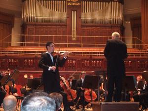 バイオリンのソロ@プラハのスメタナホール