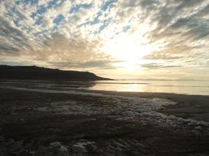 グレートソルトレイクの夕日@アンテロープ島州立公園