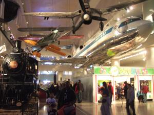 飛行機や汽車の展示@シカゴ科学産業博物館