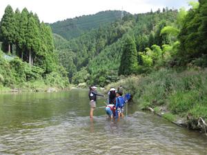南丹市美山町で川遊び
