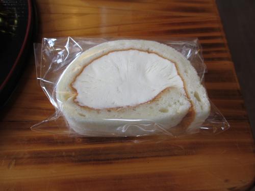 クリームが凄く美味しいロールケーキ@道の駅阿蘇