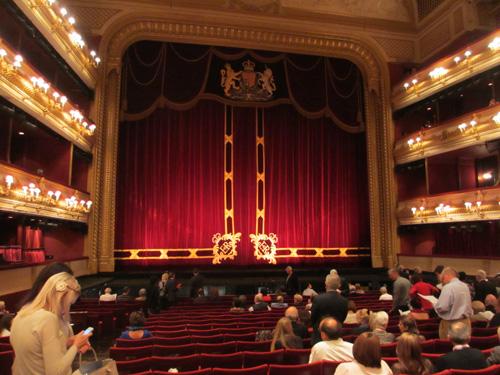 豪華なロイヤルオペラハウス@ロンドン