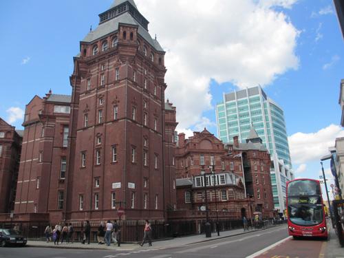 UCLの迫力ある建物@ロンドン