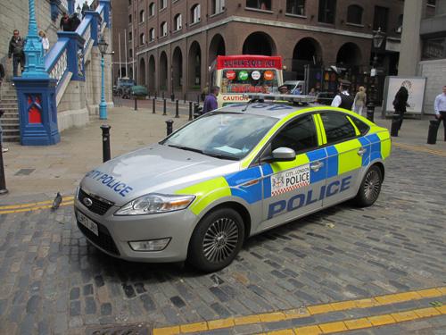 市警のパトカー@ロンドン
