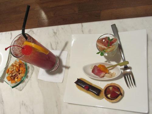 クラブラウンジのイブニングカクテル@InterContinental Hotel Singapore