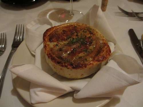 Bobby Van's Grillのフレンチオ二オンスープ@ワシントン