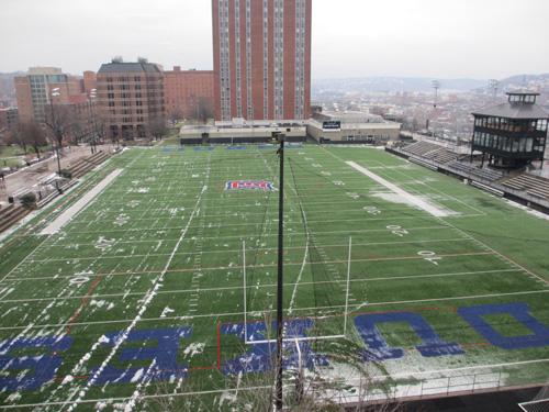 薬学系の建物4階から見えるスタジアム@The Duquesne University