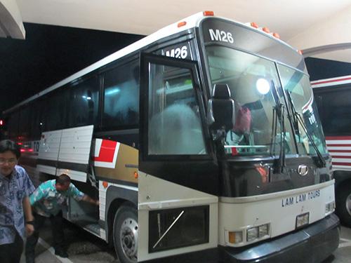 グアム国際空港からホテルへのバスは貸し切り