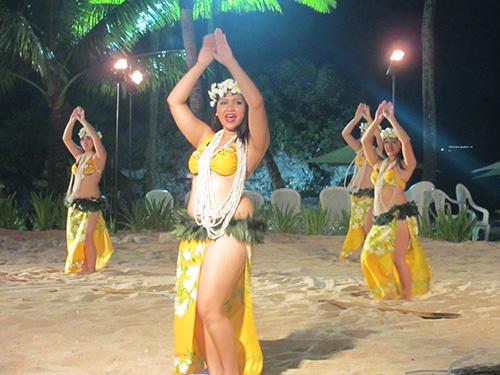 ポリネシアンダンスショー@サンセットビーチBBQ