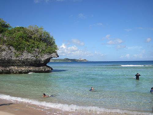 遠浅の綺麗なビーチ