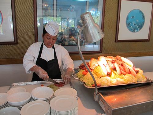 グアムの地元料理を目の前で調理してもらう@ホテルニッコーグアム