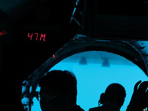 水深47mまで潜るアトランティス・サブマリン