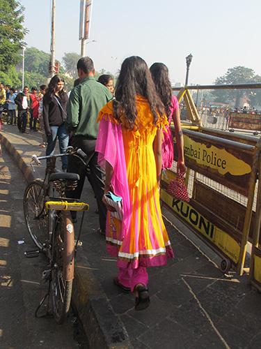"""""""色鮮やかな民族衣装を着た女性@ムンバイ"""""""