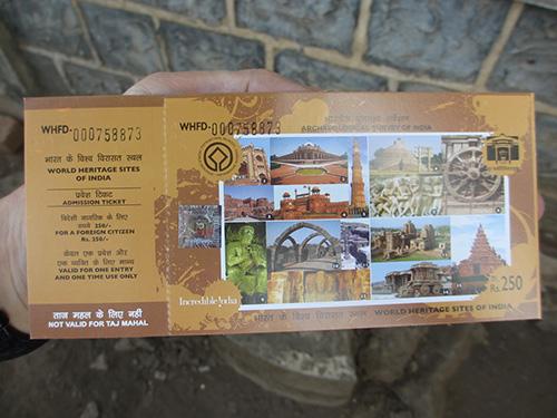 """""""なぜか写真のある側を入口で没収されるチケット@エレファンタ石窟群"""""""
