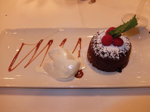 """""""チョコレートケーキとアイスクリーム@Morton's"""