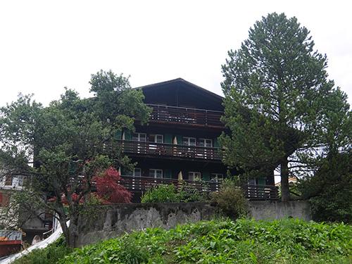 """""""宿泊したのはホテルTschuggenの最上階の客室"""""""