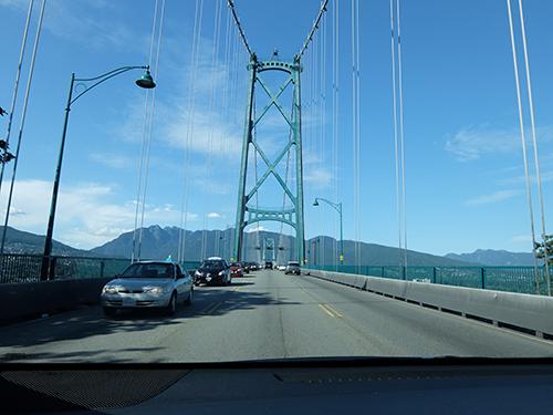 """""""吊り橋を渡ってバンクーバーからウィスラーへ@カナダ"""""""