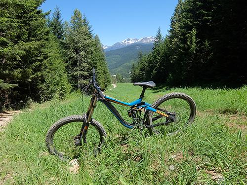"""""""素晴らしい景色の中を駆け下りる@ウィスラー山バイクパーク"""""""
